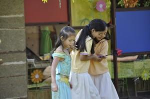 Students outdoors at Panyaden School, bilingual school in North Thailand