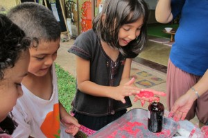 Students experimenting with natural food dyes on Science Day, Panyaden School