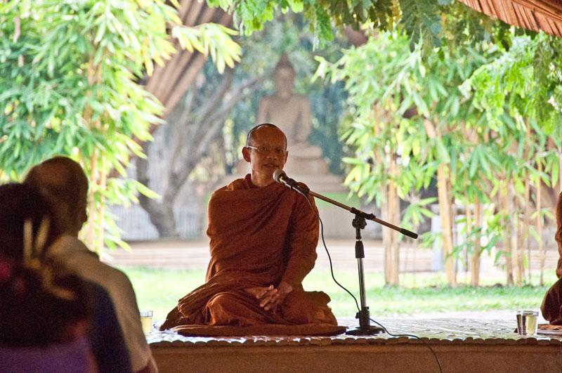 phra-ajahn-jiew-makha-bucha-day-visit-11