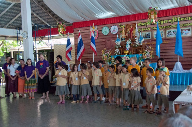 Panyaden School students visit home for senior citizens in Chiang Mai