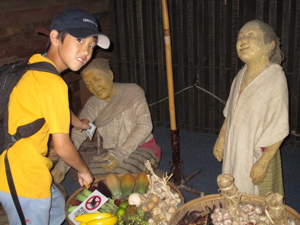IMG_0691 Panyaden Field Trip to Chiang Mai musuem