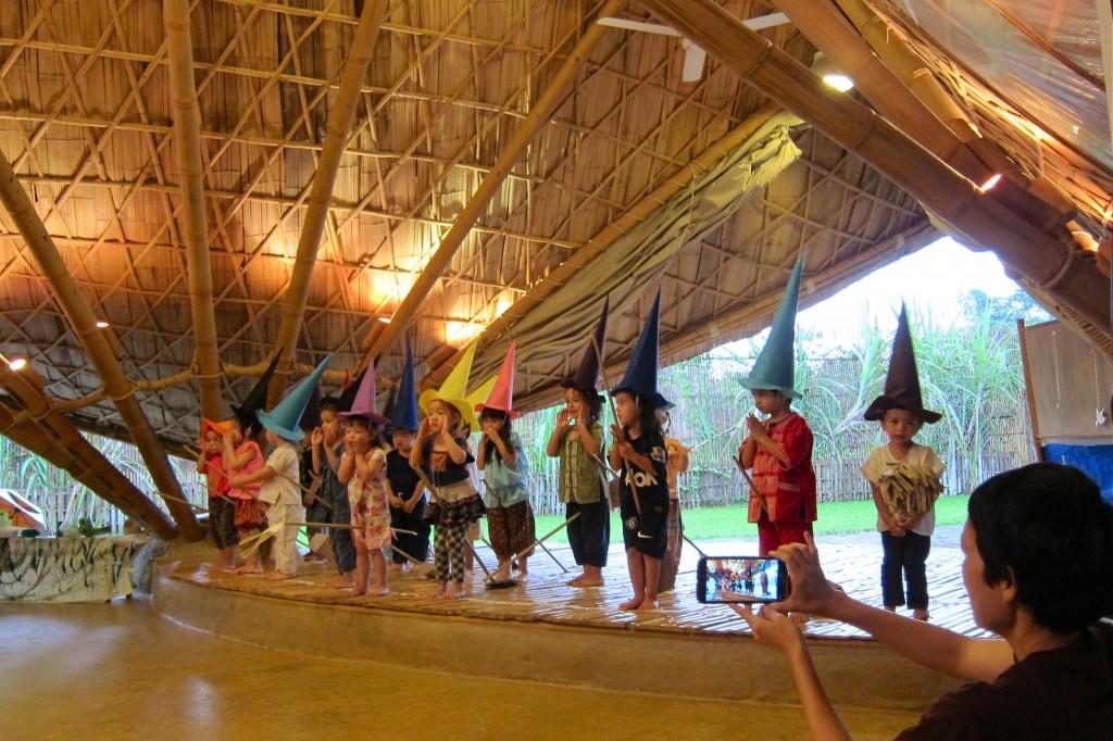 IMG_0489 Nursery students performing on Panyaden School stage, Chiang Mai
