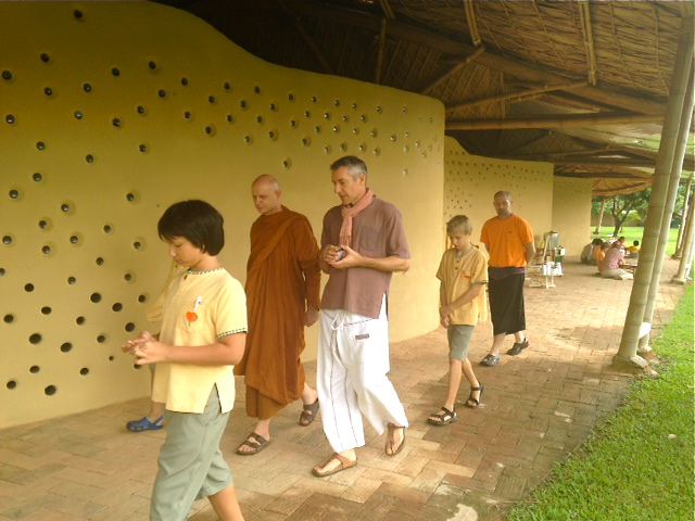 Prathom 5-6 tour Panyaden campus with Ajahn Jayasaro 1