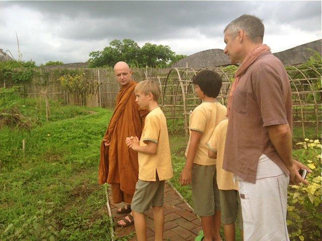 prathom-5-6-tour-panyaden-campus-with-ajahn-jayasaro-11
