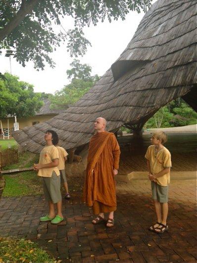 prathom-5-6-tour-panyaden-campus-with-ajahn-jayasaro-5
