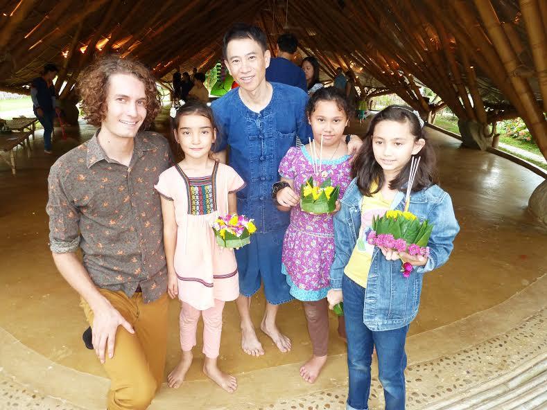 Former teacher visits Panyaden School Chiang Mai