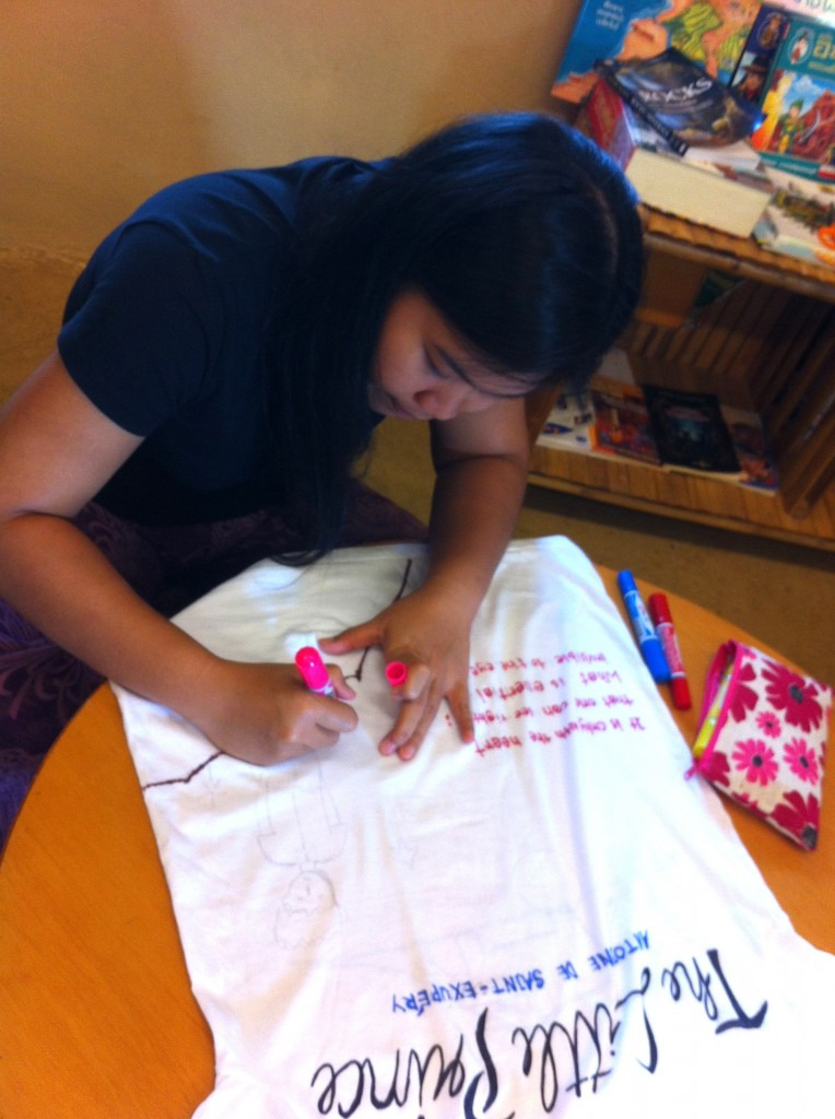 IMG_1177 Prathom homeroom teacher painting T-shirt for Panyaden School Philippines Appeal