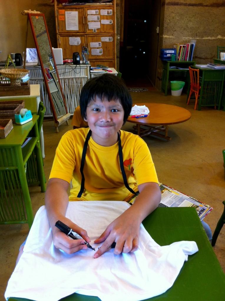 IMG_1191 Prathom student designing T-shirt, Panyaden School Philippines Appeal