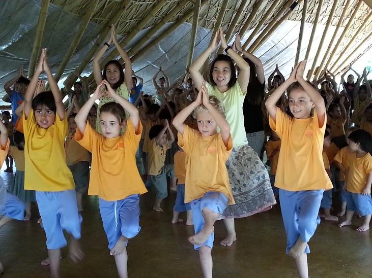 Students practising wise habit, Avihimsa kung fu moves, Panyaden School
