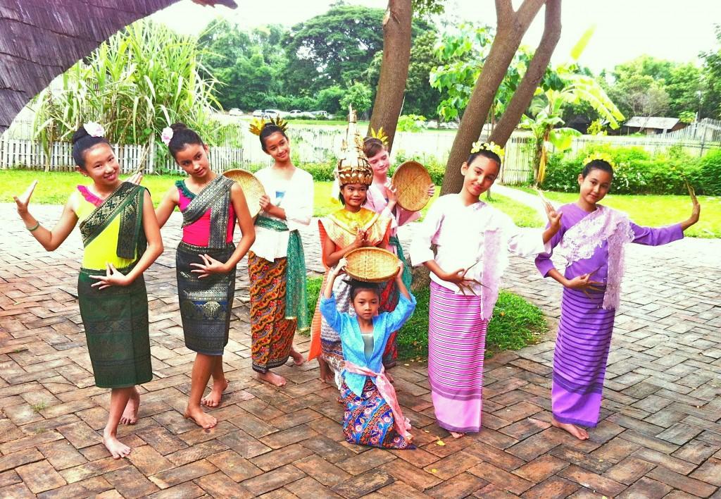 IMG_7250 Panyaden School student dancers in traditional Thai costumes