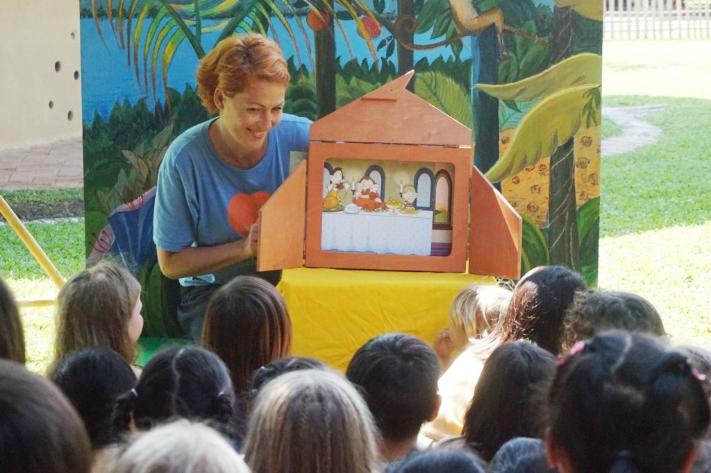 Panyaden teacher telling a story to students, Reading Week 2014