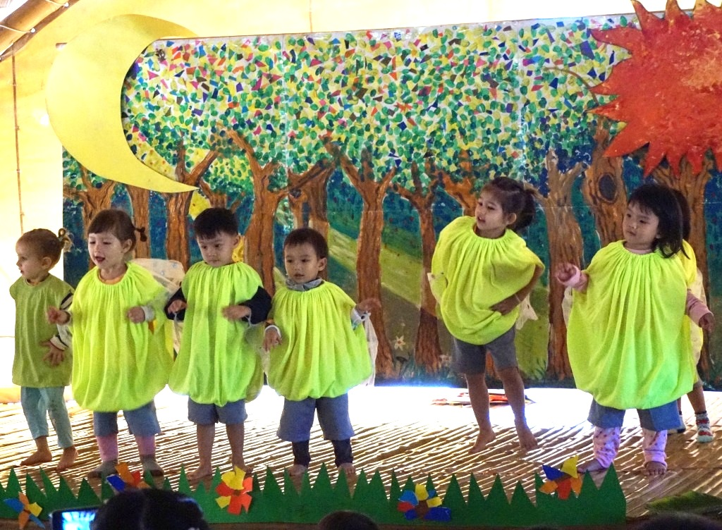 DSC02839 Panyaden School's little bookworms - Nursery students performing