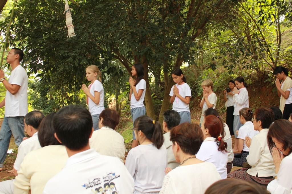 Panyaden students at Thot Katina ceremony in Chiang Rai