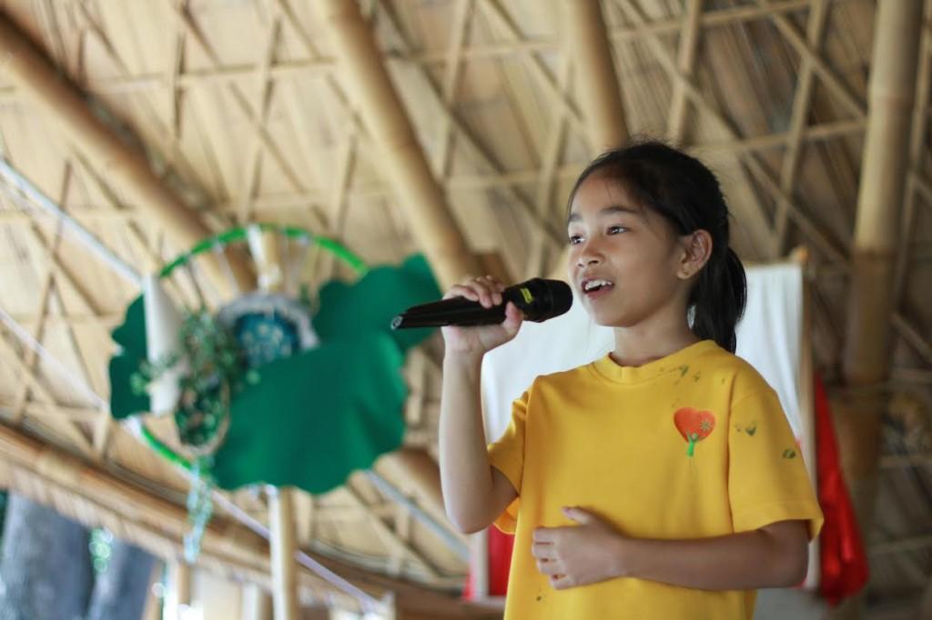 Panyaden Grade 3 student singing