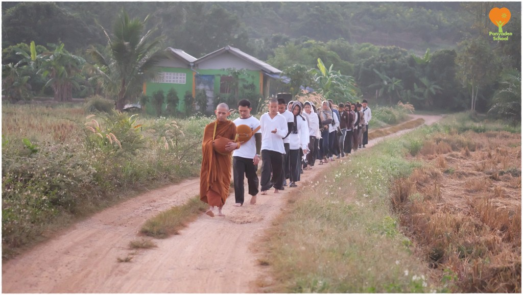 DSCF5739 Panyaden teachers at meditation retreat in Chiang Rai