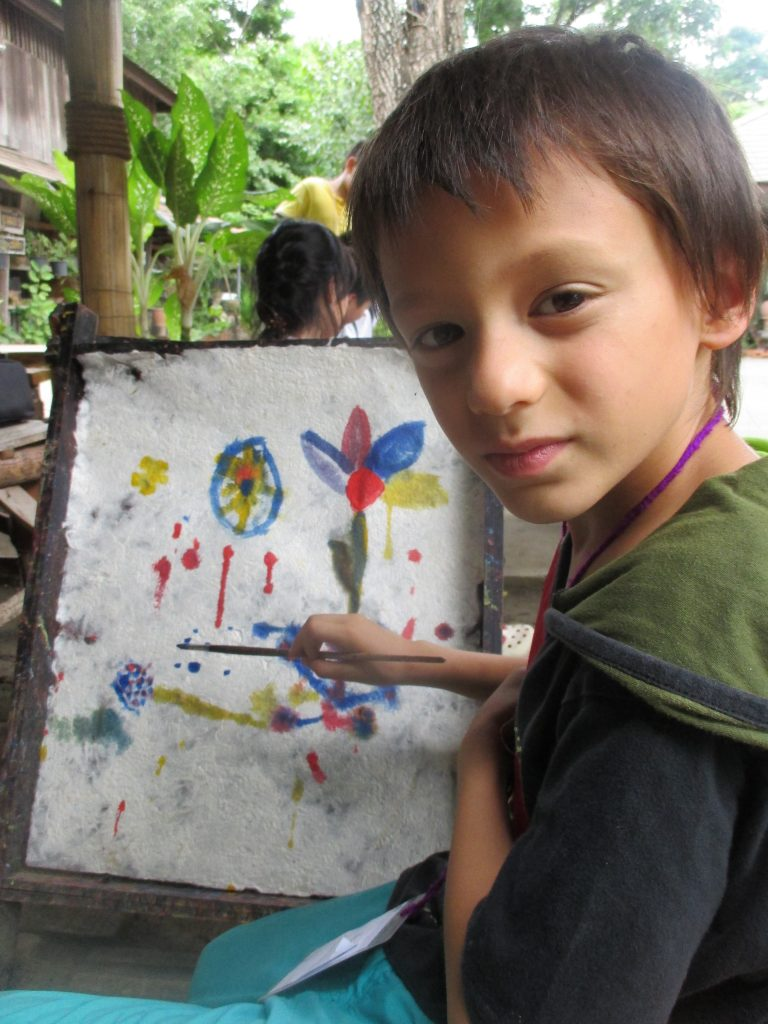 IMG_9382 Panyaden School student painting on Sa paper during Northern Thai Study field trip, Chiang Mai
