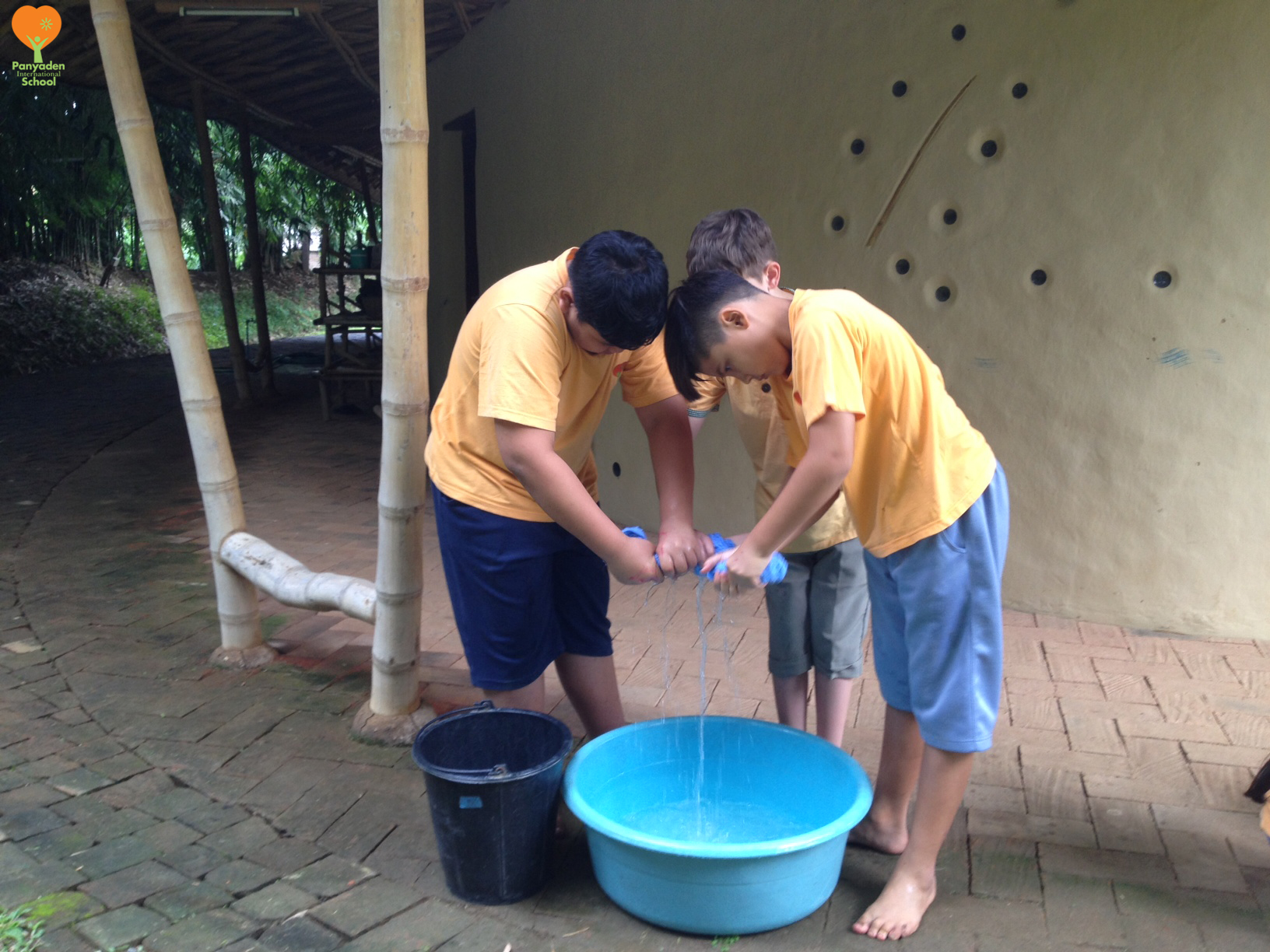 photo-1-logo Panyaden Year 6/7 students doing the laundry, Life Skills class at school