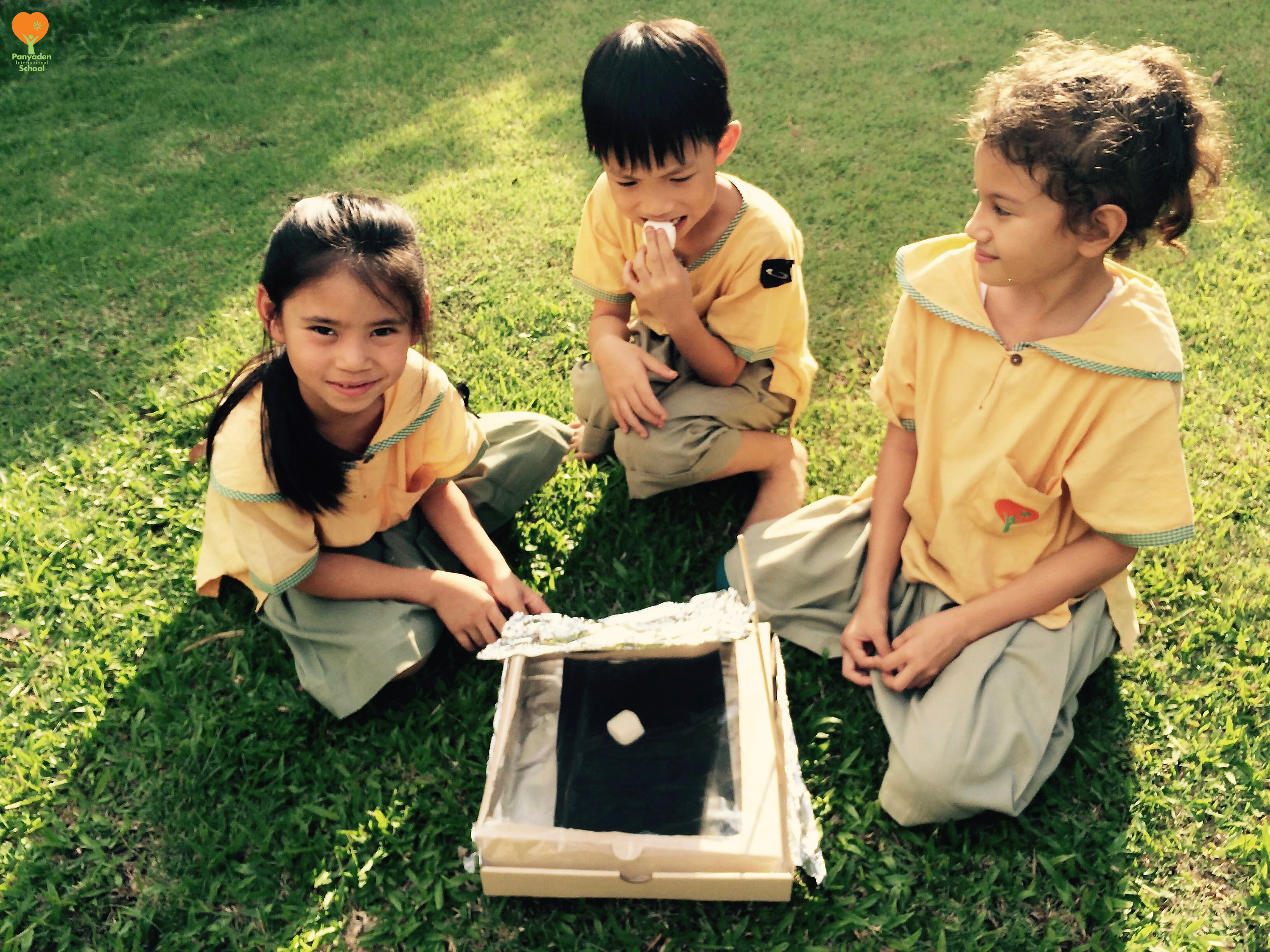 Solar ovens made by Panyaden afterschool science club