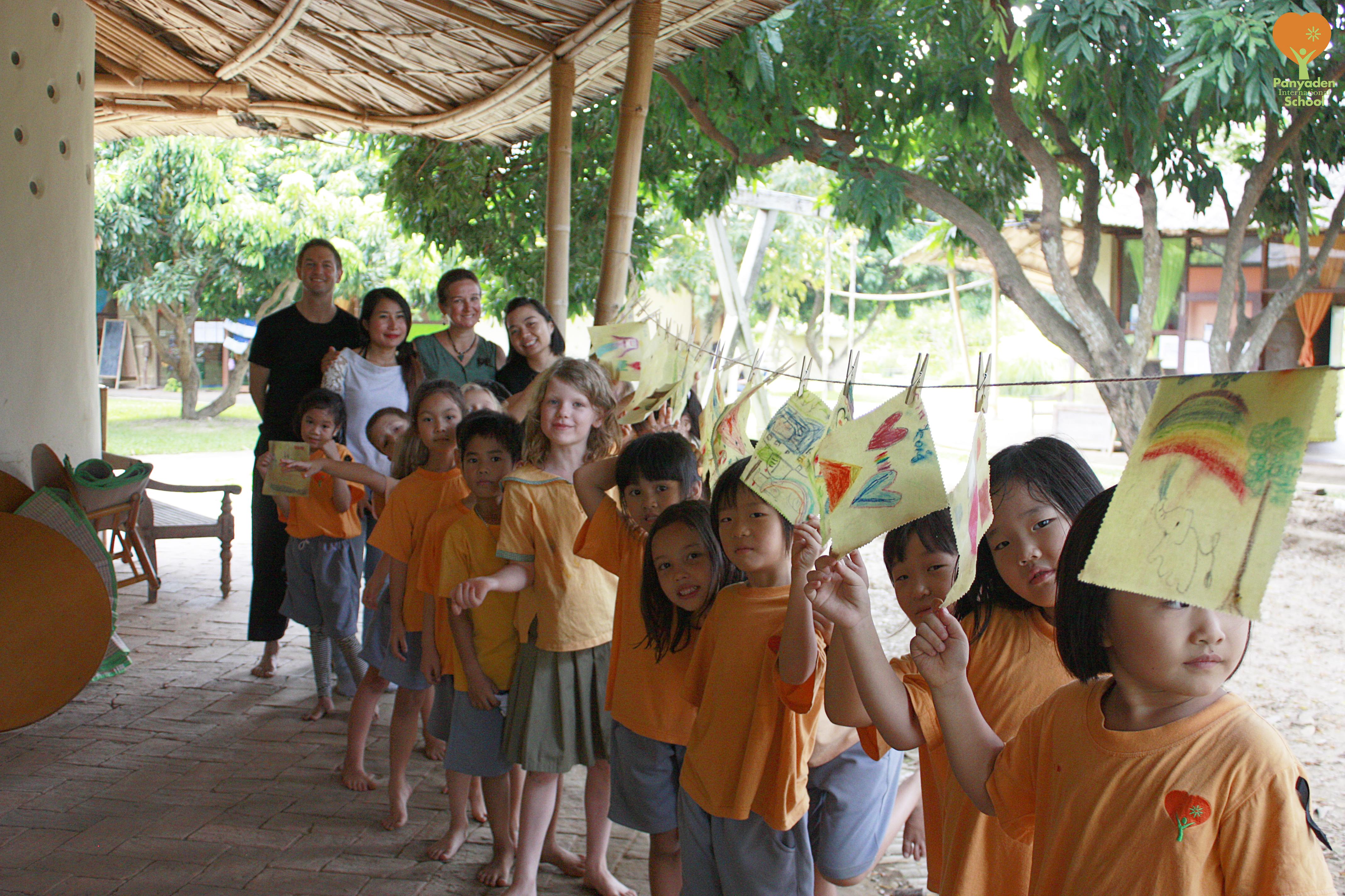 Happy Y2 students with their super beeswax fabrics, Panyaden International School