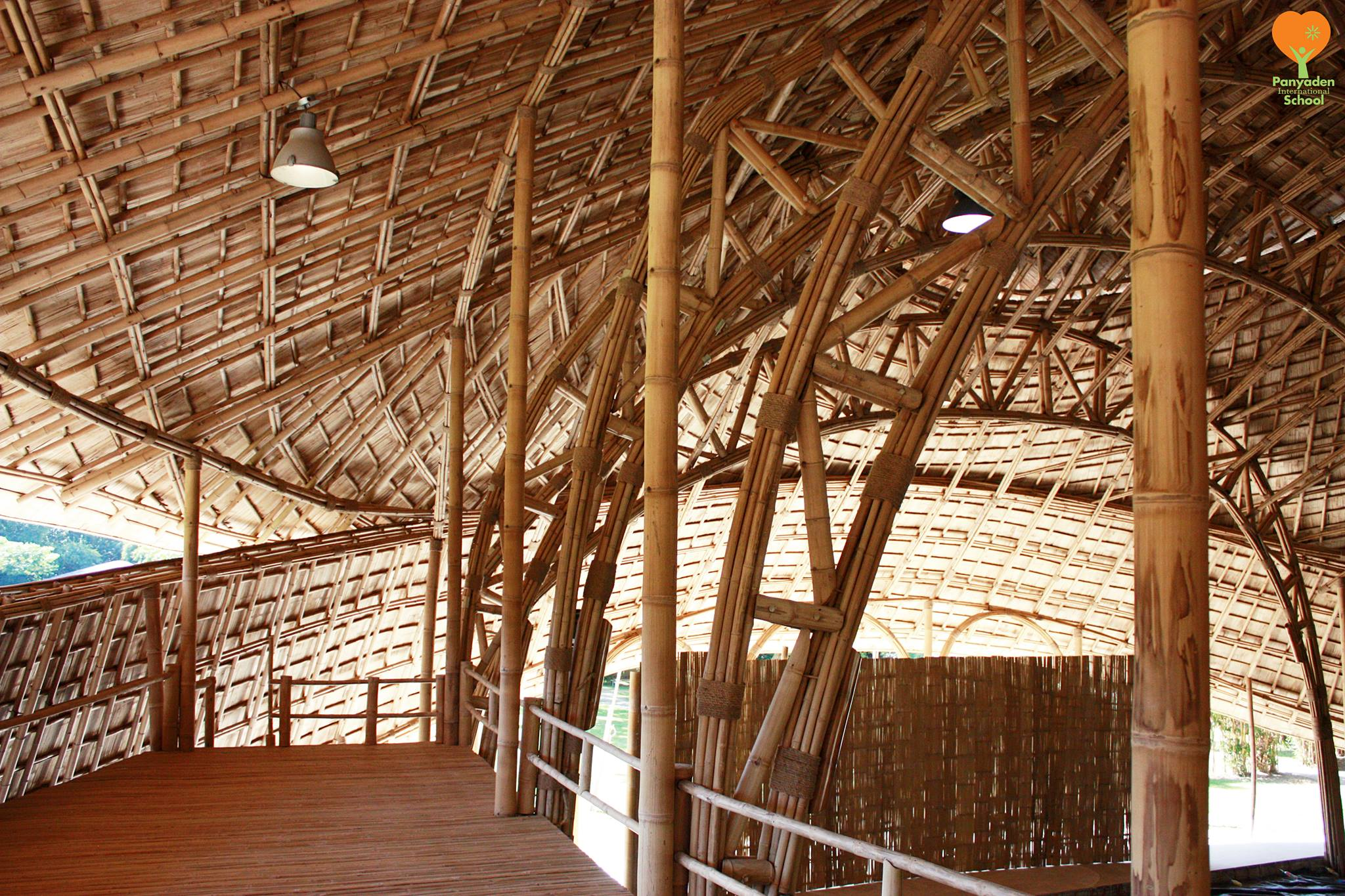 Arches and curved bamboo roof design, Photo by Panyaden International School
