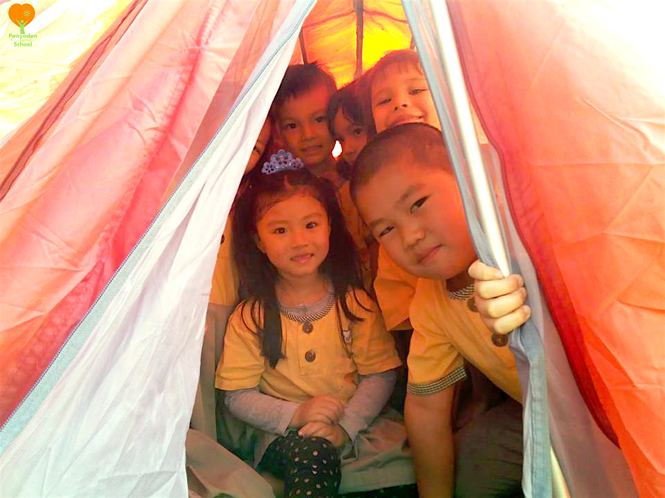 Panyaden International School Kindergarten 2 students enjoy camping at school