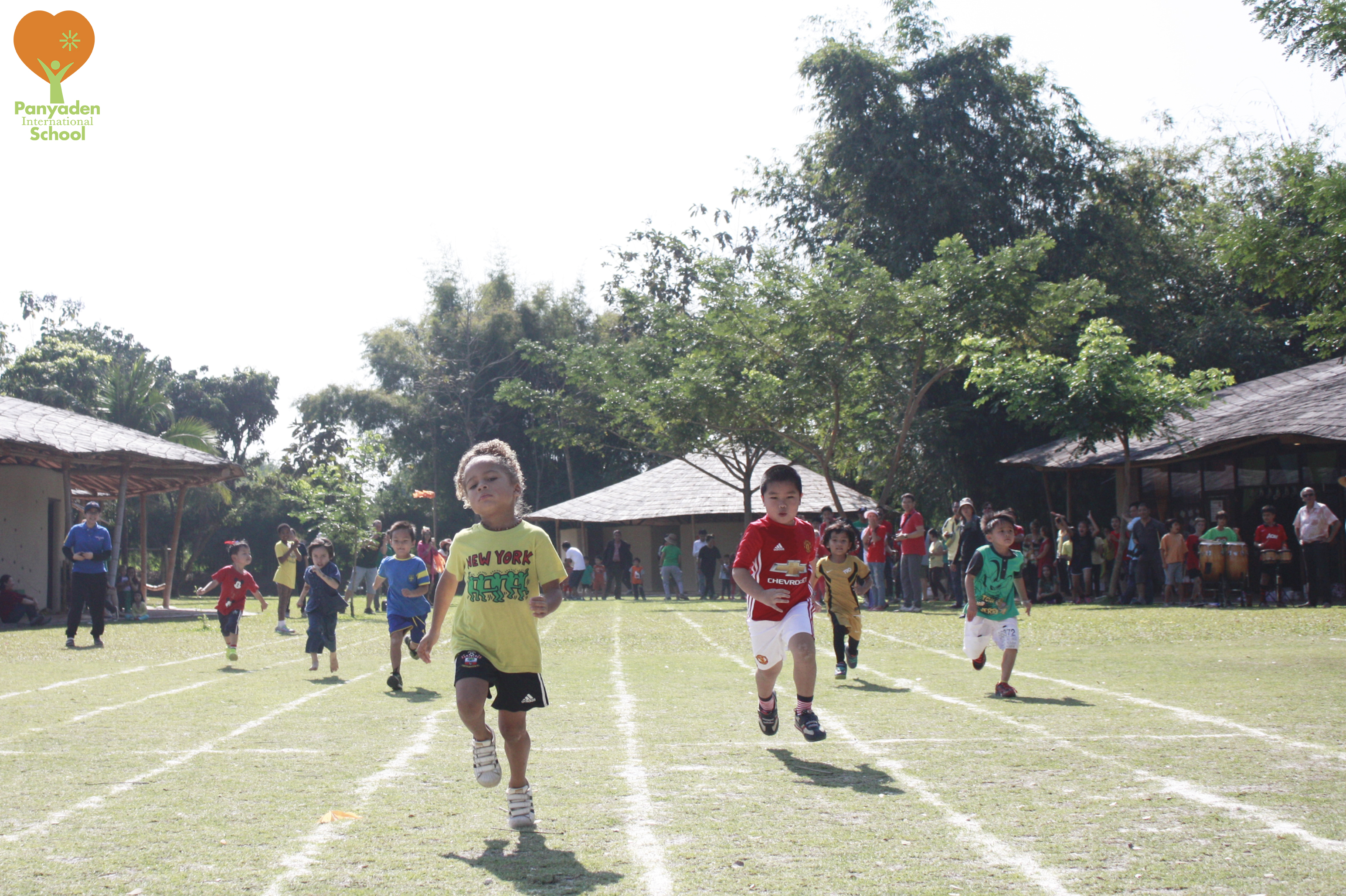 Students focus hard on running during Panyaden Sports Day racerace