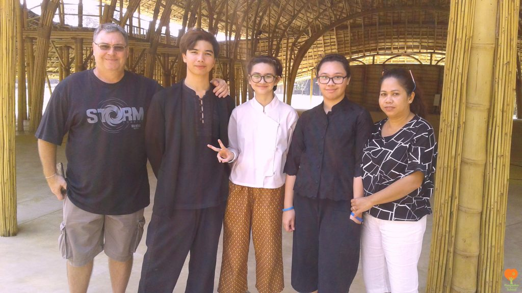Former students and parents of Panyaden visit our international school in Chiang Mai before leaving for Australia