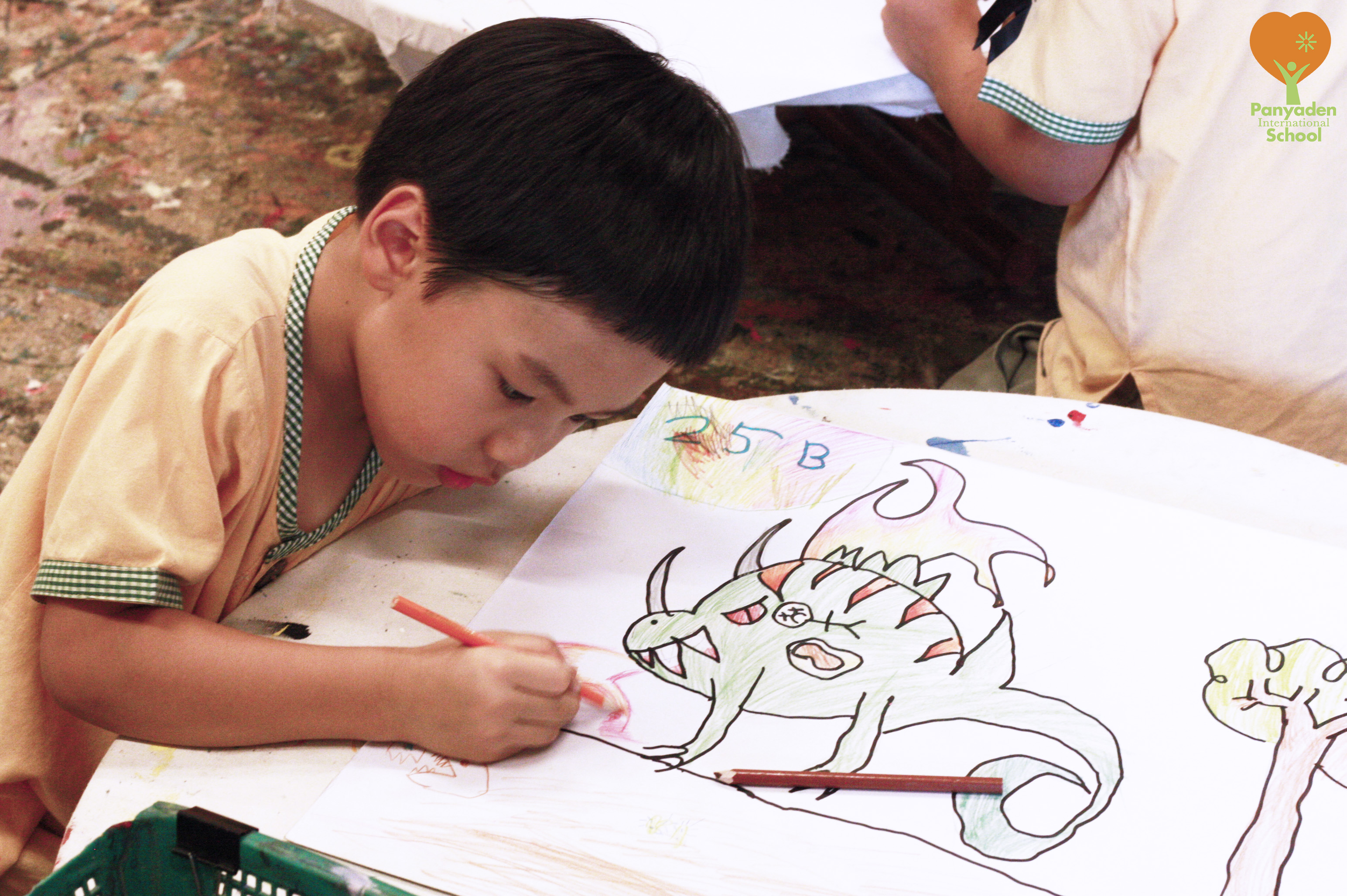 Drawing a lizard, Panyaden Year 1 student
