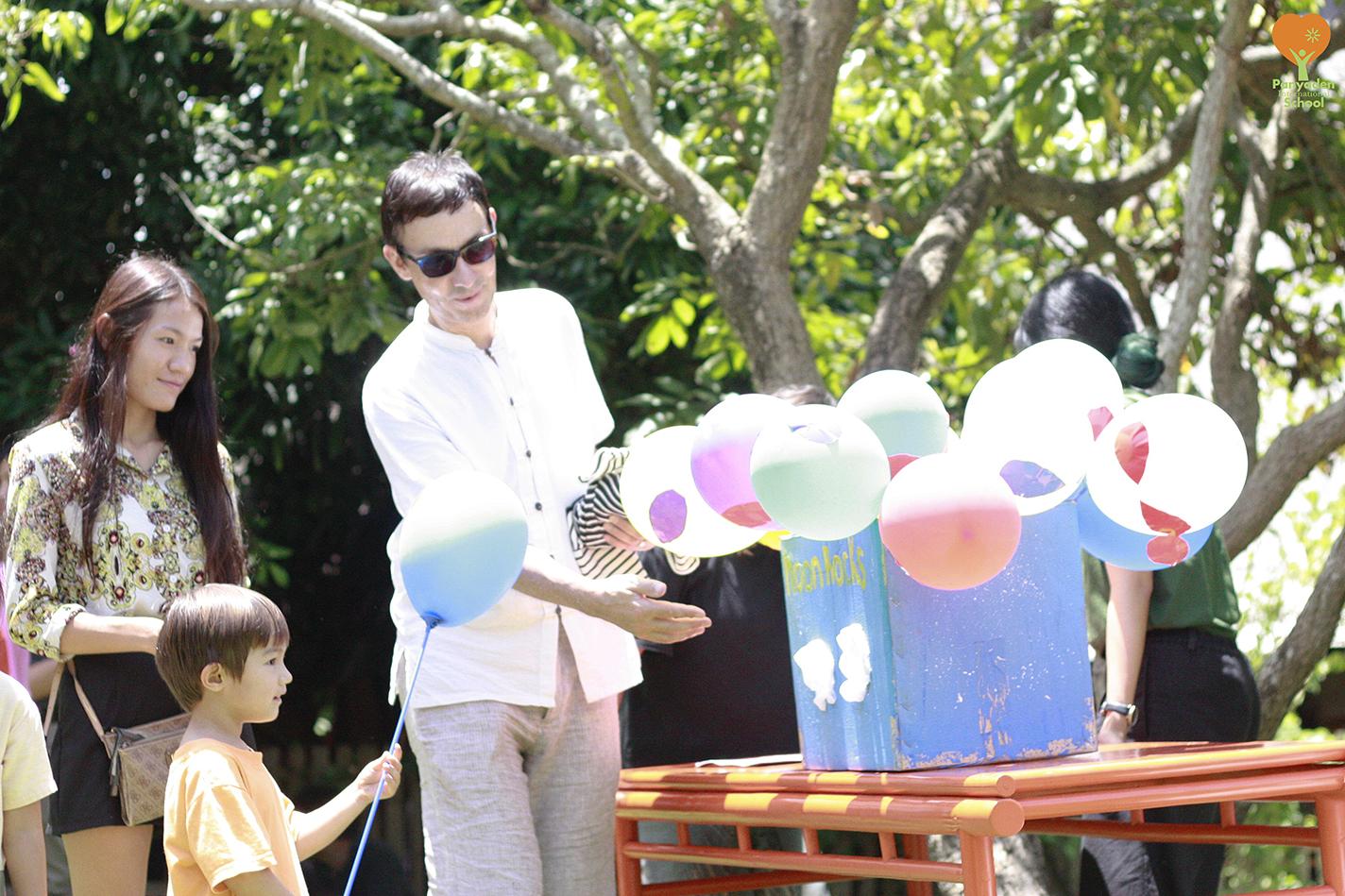 Panyaden International School Blossom Market 2017 - balloons!
