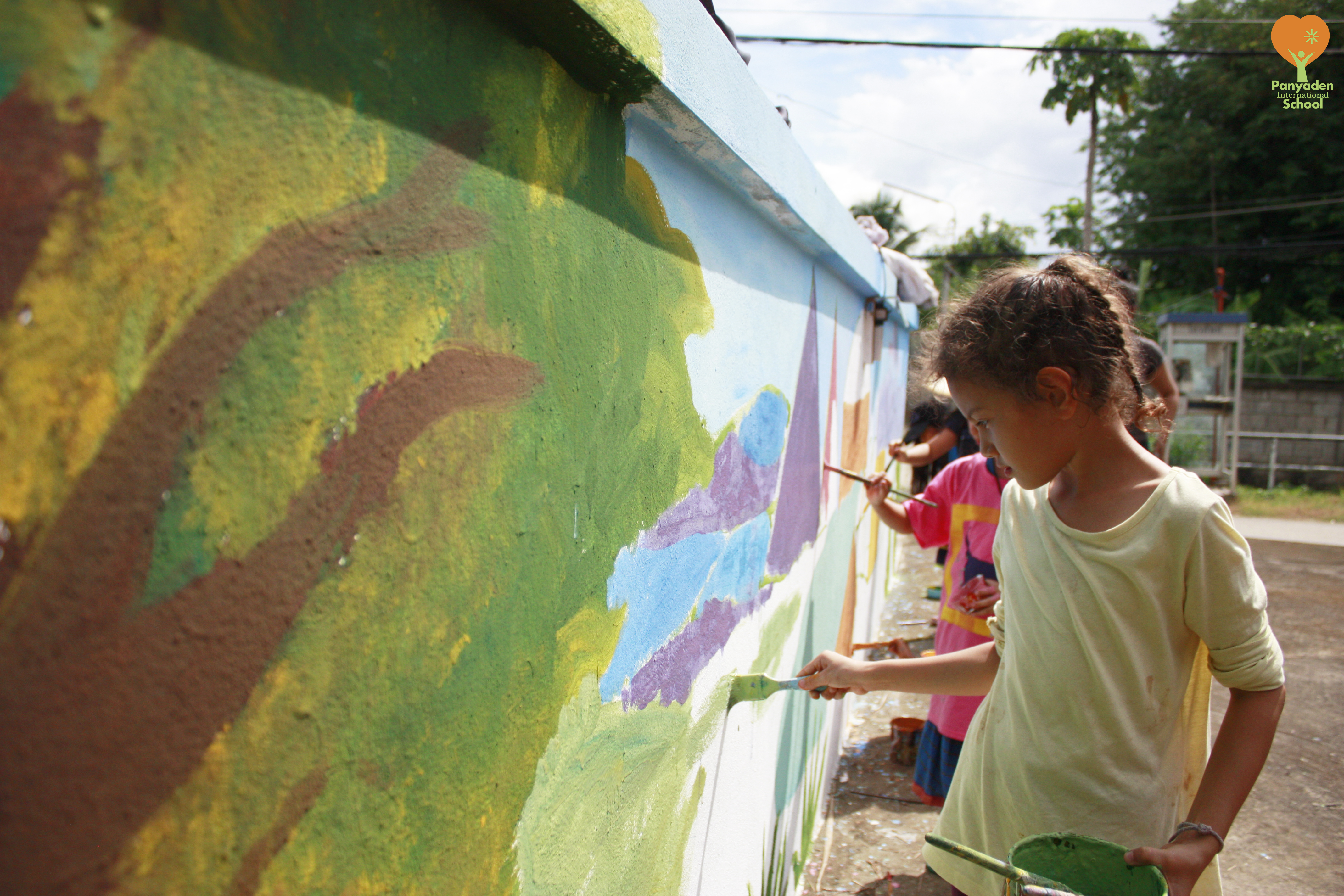 Panyaden Year 3 (Y3) painting mural at school entrance wall