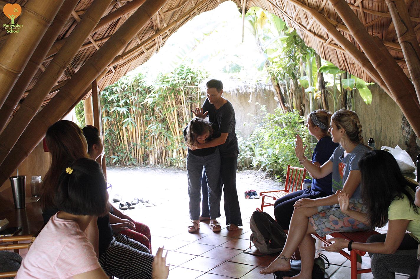 Teacher Training at Panyaden - dealing with a choking victim, basic first aid