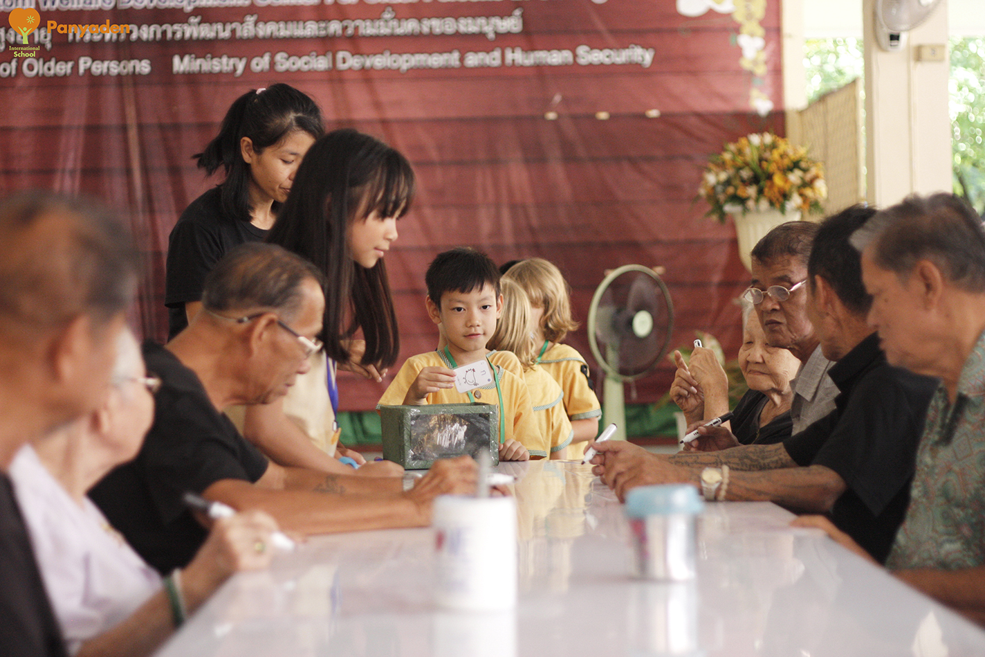 Bingo! Panyaden Social Contribution Day for Year 3 and 6, at elder aId home in Chiang Mai
