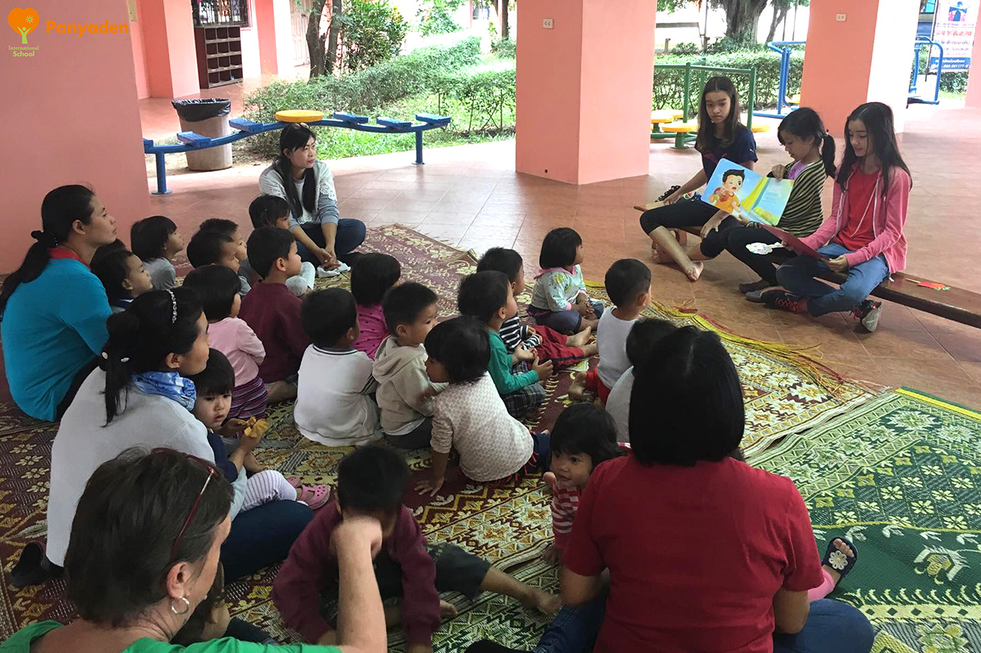 Panyaden Giving Week 2017: Y7 students reading to children Agape Home