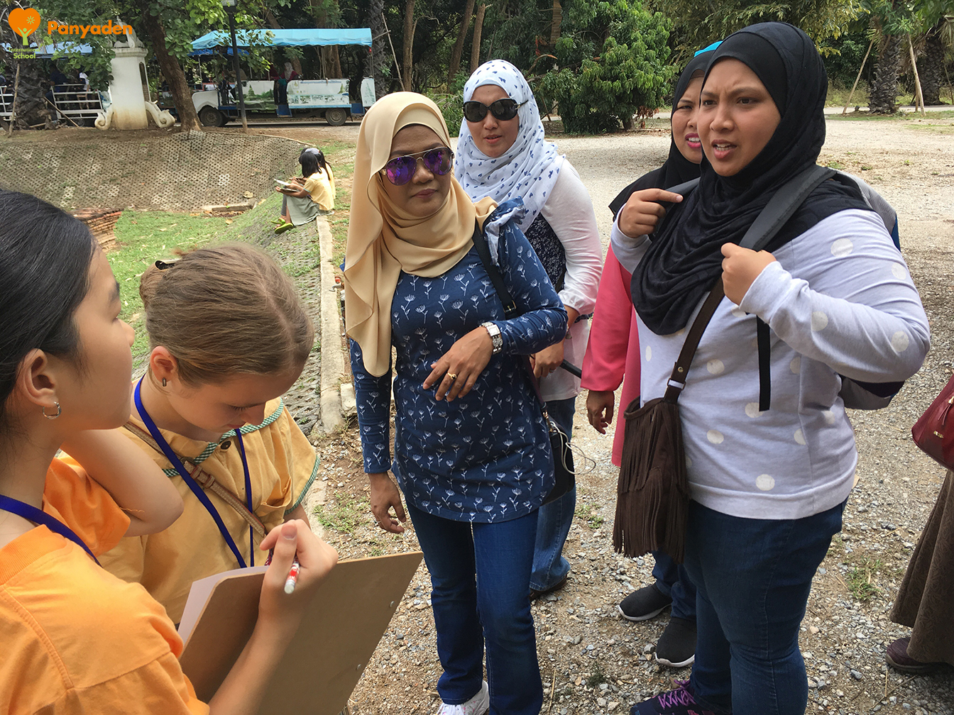 Panyaden Y6 Ancient Cultures Field Trip: talking about Islam with visitors
